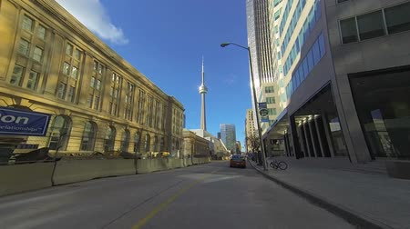 enrolamento : Point of view drive through the city of Toronto, Canada