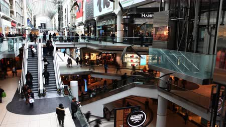 interiér : 4K UltraHD A timelapse view of Torontos Eaton Center