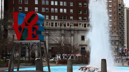 miłość : The Love Sculpture from Philadelphia