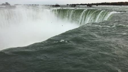 Онтарио : Slow Motion of the Horseshoe Falls at the brink
