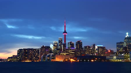 kanada : 4K UltraHD Day to night timelapse of the Toronto Skyline Stok Video