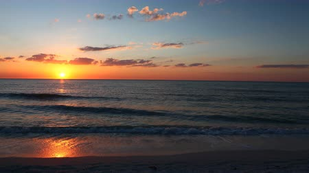 ostrovy : 4K UltraHD Timelapse of sunset on Florida coast