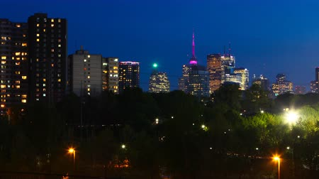 Онтарио : 4K UltraHD Motion controlled pan Toronto city center timelapse day to night Стоковые видеозаписи