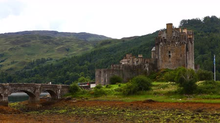 felvidéki : 4K UltraHD Timelapse of the picturesque Scottish Castle of Eilean Donan