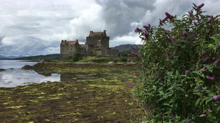 felvidéki : 4K UltraHD The picturesque Eilean Donan Castle in Scotland