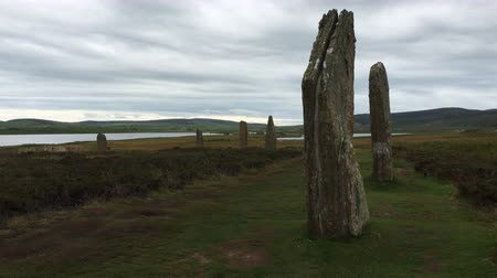 arqueológico : 4K UltraHD View of the neolithic Ring of Brodgar in Orkney, Scotland Stock Footage