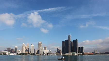 mi : 4K UltraHD Timelapse of the Detroit with boats passing Stock Footage
