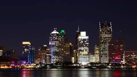 mi : 4K UltraHD Timelapse of the Detroit, Michigan skyline at night