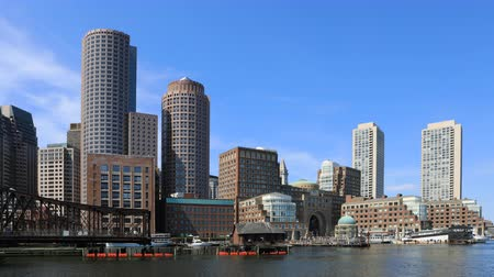 arka görünüm : 4K UltraHD Timelapse of the Boston, Massachusetts harbor skyline