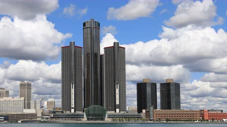 mi : Timelapse of Detroit city center across the Detroit River 4K