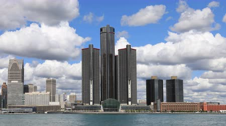 mi : Timelapse of Detroit Skyline across the Detroit River 4K