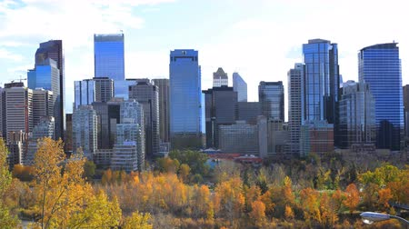alpes : Timelapse of the Calgary, Canada skyline 4K Stock Footage