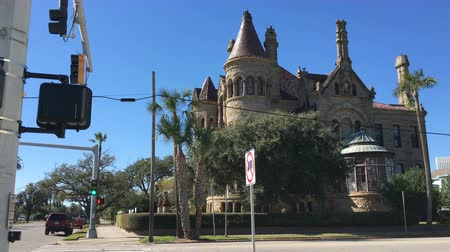 viktoriánus : Historic Bishops Palace built in 1886. Galveston, Texas 4K Stock mozgókép