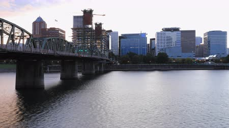 északnyugati : Timelapse Day to night of Portland, Oregon  city center 4K Stock mozgókép