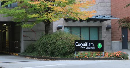 ingiliz columbia : View of Coquitlam, British Columbia City Hall 4K Stok Video