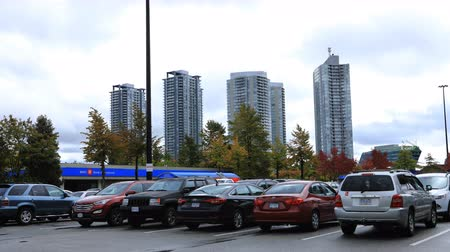ingiliz columbia : Timelapse of Condominiums in Surrey, British Columbia 4K