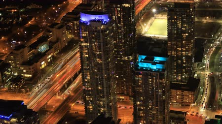 canadense : Timelapse aerial scene of Toronto, Canada after dark 4K Stock Footage