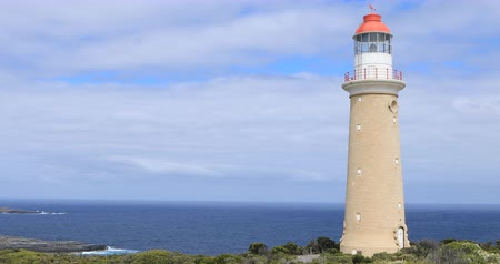 canguru : Cape Du Couedi Lighthouse on Kangaroo Island, Australia 4K