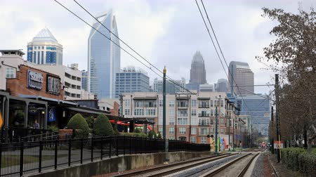 Észak amerika : Timelapse of Rapid Transit arriving in Charlotte, North Carolina 4K