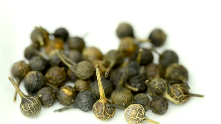 temperos : Cubeb, medicinal plant  and spice