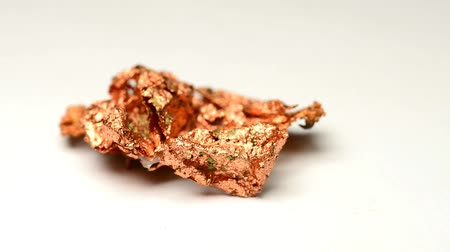 медь : Copper nugget, closeup on a turn table