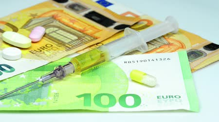 nakládané : Injection with euro bills in a closeup