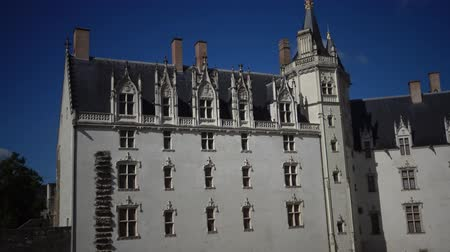 architektura : the Chateau Des Ducs de Bretagne or the Castle of the Dukes of Brittany, Fortified wall of castle