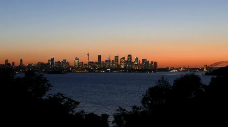 austalian : Sydney Harbour on dusk, featuring Sydney CBD, Sydney Skyline, City, Sydney Opera House, Sydney Harbour bridge, Sydney Ferries (ferry), Port Jackson Bay and the Parramatta River. Australian Icon of Austalian and Sydney Tourism and Major City in Australia. Stock Footage