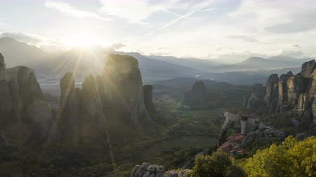 греческий : timelapse Meteora monasteries in Greece