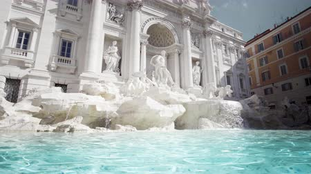 roma : Fountain di Trevi in ??Rome, Italy