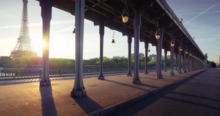 bir hakeim bridge : Eiffel Tower from Bir-Hakeim metal bridge in the morning, Paris, France