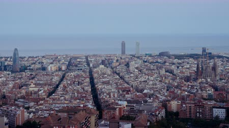 telhado : timelapse, Barcelona sunset, Spain