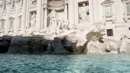roma : slow motion, Fountain di Trevi in Rome, Italy