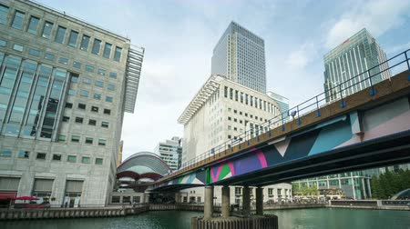 kanarya : Modern buildings in London, Canary Wharf, UK