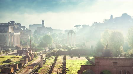 oszlopsor : time lapse of mist, Roman Forum in Rome, Italy