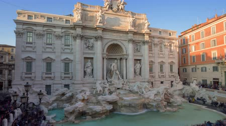 rzym : time lapse, sunset time, Trevi Fountain in Rome, Italy
