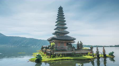 hyper lapse Ulun Danu Beratan Temple and Beratan Lake , Bali Wideo