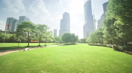 bouwgrond : park in lujiazui financial centre, Shanghai, China