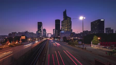 lapso de tempo : timelapse, Paris LaDefense at sunset