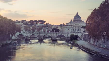 time lapse of St. Peters Basilica, Sant Angelo Bridge, Vatican, Rome, Italy Vídeos