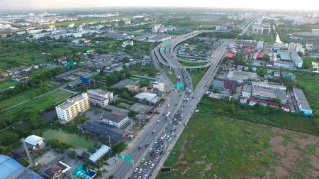 arrabaldes : Aerial View of overpass u-turn road in thailand suburb Vídeos