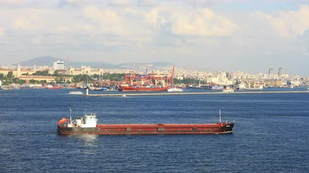 obchody : Large tanker ship in front of Istanbul container harbor Dostupné videozáznamy