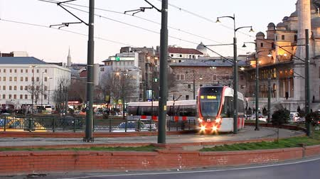 редакционный : New red tram at Eminonu Square Стоковые видеозаписи