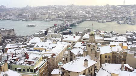 europeu : Istanbul in Winter. View from the tower on a snowy day Vídeos
