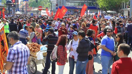 восстание : ISTANBUL - MAY 1, 2013: People during march at Kadikoy Pier for labor day anti-government protest. They demand on solution of many social issues, such as corruption and unemployment.