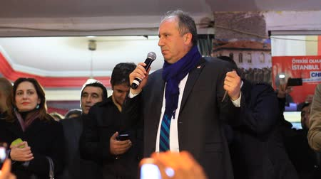 senhor : ISTANBUL - MARCH 16, 2014: CHP deputy parliamentary group chair Muharrem Ince slams the government over corruption during election rally at Maltepe. Mr. Muharrem Ince slams the government