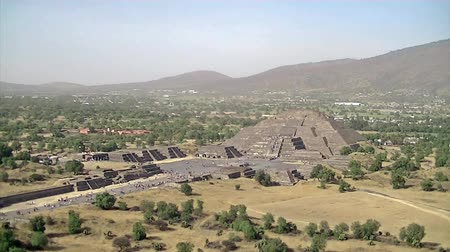 Мексика : Aztec pyramids in Teotihuacan Mexico