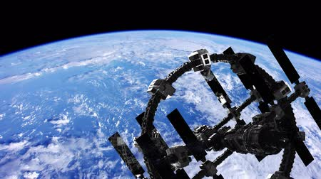 astroloji : International Space Station in outer space over the planet Earth Stok Video