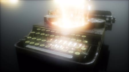 sekreter : retro typewriter in the fire Stok Video