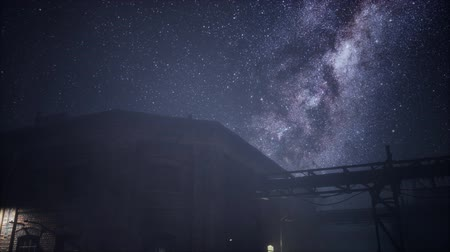 占星術 : Milky Way stars above abandoned old fatory